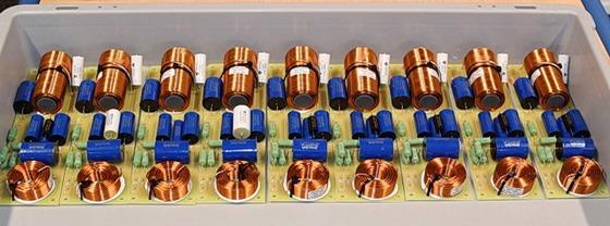 Apertura fabrieksbezoek luidsprekerfilters
