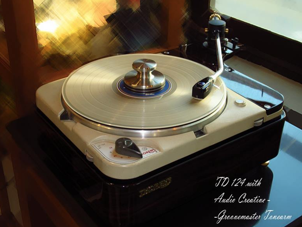 GrooveMaster on a Throrens TD 124
